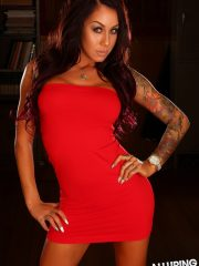 alluringvixens-venessa-blackandred-001
