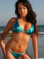 alluringvixens-hoshi-beach_babe-04