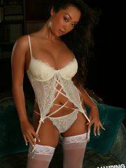 alluringvixens-hoshi-lace_vixen-02