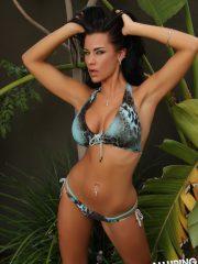 alluringvixens-laura-bikini_strip-03