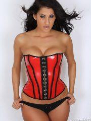 alluringvixens-anne-corset_cleavage-01