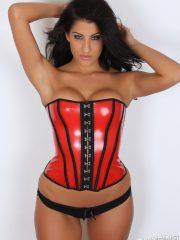 alluringvixens-anne-corset_cleavage-04