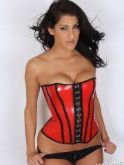 alluringvixens-anne-corset_cleavage-11